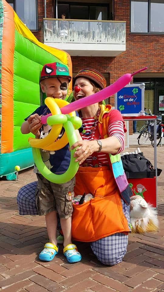 ClownniekiebroekerveilingopeningdeClownendeKofferballonclown - Clown Niekie