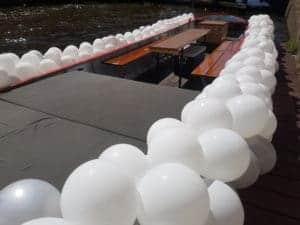 ballonslinger boot alkmaar 300x225 - ballonslingers grachtenparade Alkmaar Pride