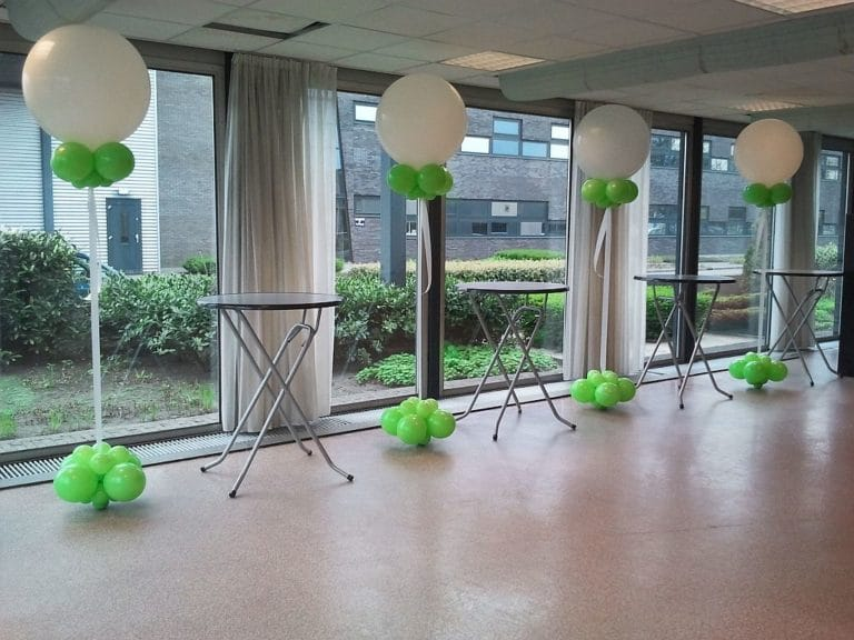 cloudbuster opening Dichtbij lime wit De Decoratieballon 768x576 - Helium ballonnen