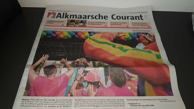 img 20180528 wa00052123260594 - enorme ballonboog Alkmaar podium bij Alkmaar Pride 2018