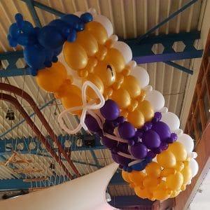 ballonsneakerindeluchthangend 300x300 - Ballondecoraties op maat