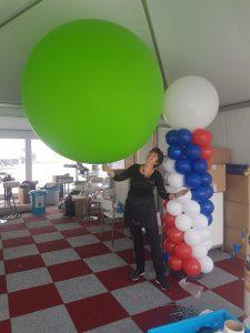 enorm grote helium ballon e1539326243477 225x300 - Opvallende ballonnen tijdens beurs
