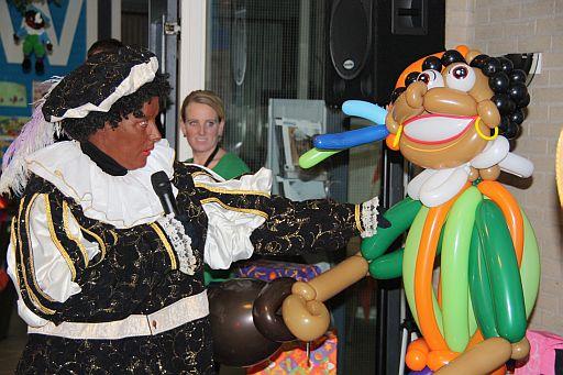 welkom ballonhoofdpiet sinterklaasfeest esnw alkmaar - Clown Niekie