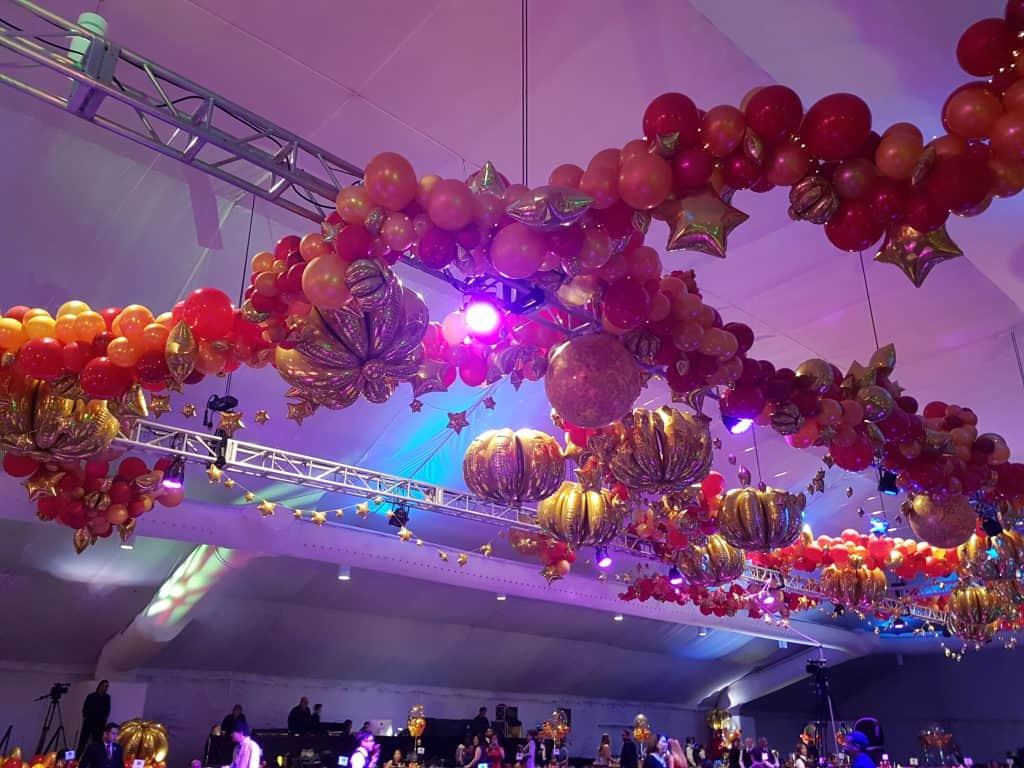 20180317 190620 1024x768 - Organic ballondecoratie van allerlei maten ballonnen