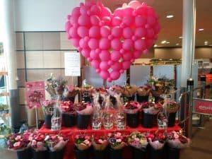 img 20180212 wa00005696171006440365028 300x225 - Valentijnsdag met een hart ballon van klein tot groot