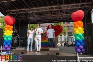 27265015871 7aab3aa2cf o 300x200 - Alkmaar Pride met ballondecoraties De Decoratieballon