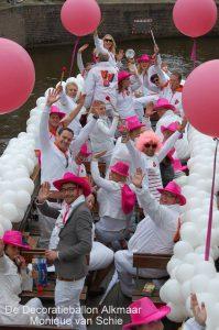 VVDbootjuichendopGaypride2013AlkmaarvanDeDecoratieballon 199x300 - Alkmaar Pride met ballondecoraties De Decoratieballon