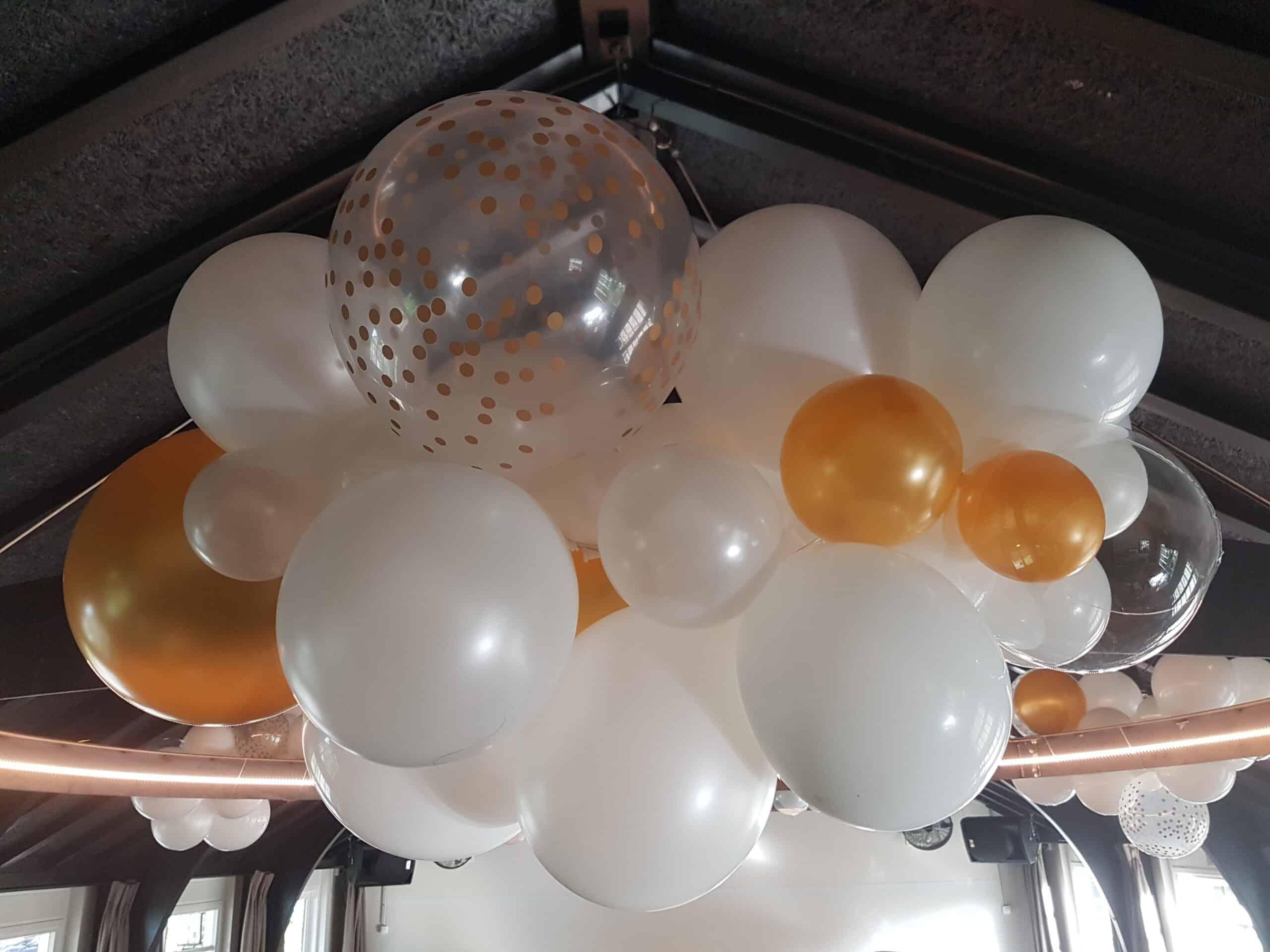 20190927 102118 scaled - Organic ballondecoratie van allerlei maten ballonnen