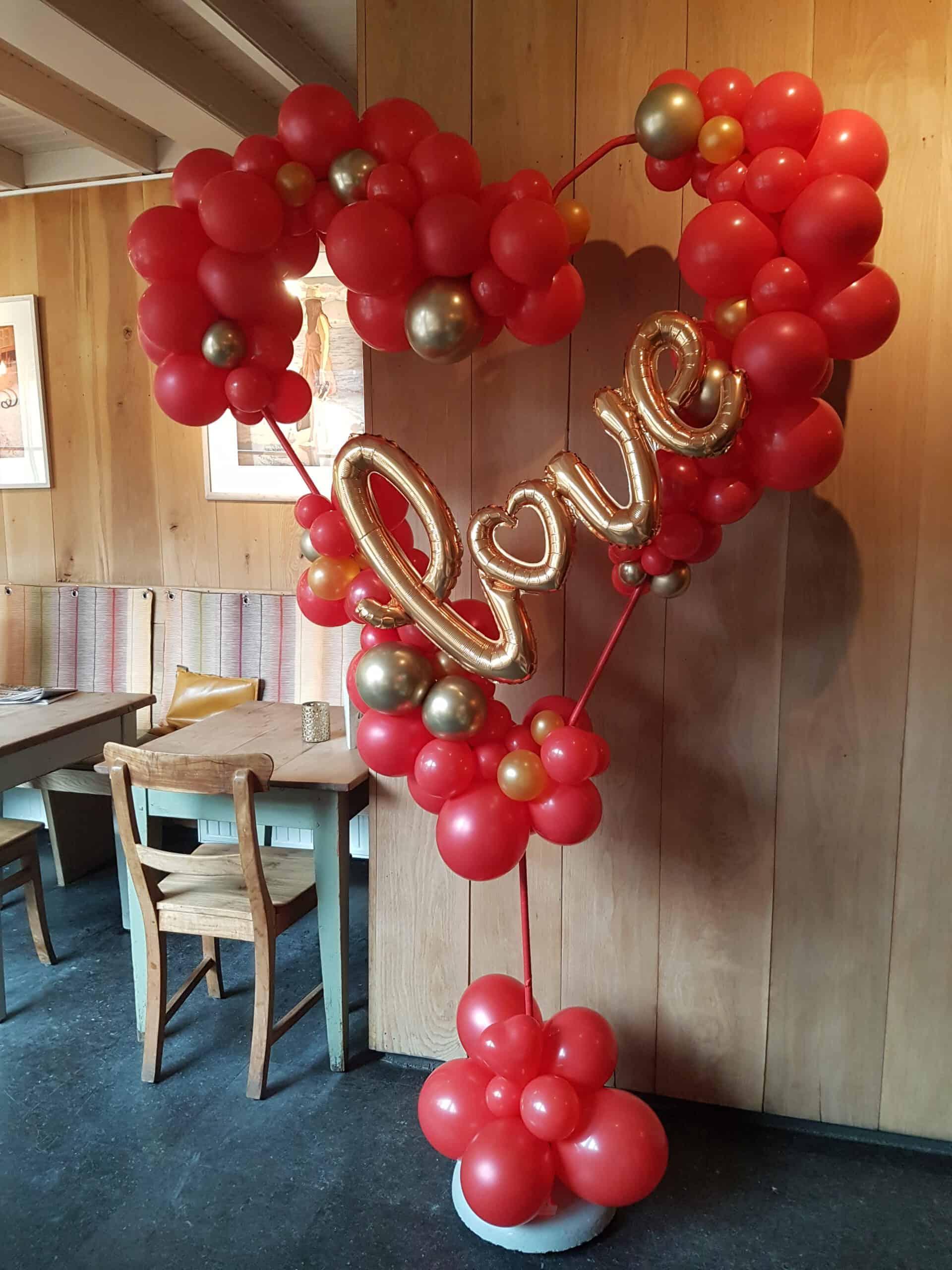 20200214 112918 scaled - Organic ballondecoratie van allerlei maten ballonnen
