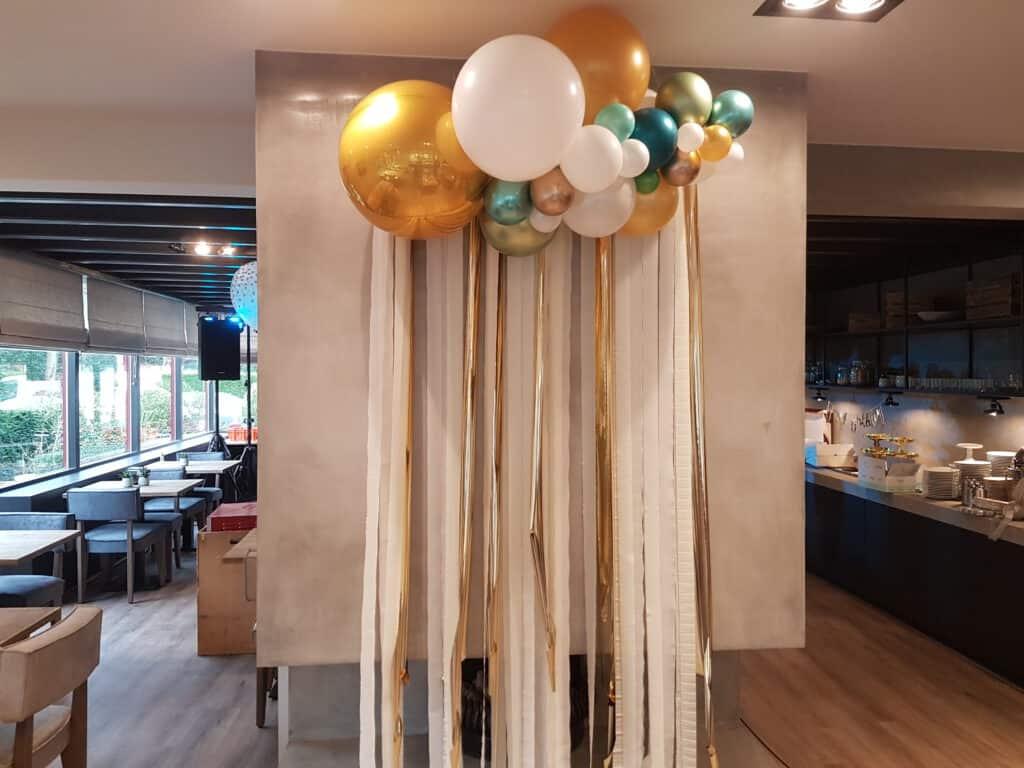 20200229 105839 1024x768 - Organic ballondecoratie van allerlei maten ballonnen
